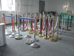 Crowd Control Q Manager Queue Barriers Tencate Stanchions Ai ...
