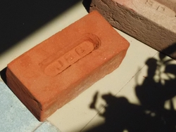 RED CLAY BRICKS ROUGH SURFACE