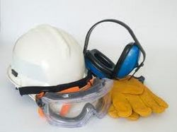 SAFETY EQUIPMENT & CLOTHING from FOURSENGINEERING
