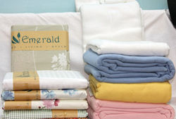 Blankets for Hospitality Industry from WHITE EMERALD TRADING EST
