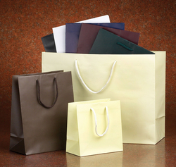 Paper Bags from AL ZAYTOON GIFT BOXES IND L L C