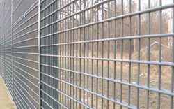 Steel Barricades Crowd Barriers Partition Mesh Wall Cages Storage Shelving Racking Trays Shelfs Suppliers in UAE Oman Qatar Kuwait Iran
