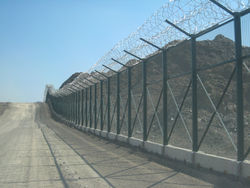 Temporary Sheet Mesh Welded Crimpped Twisted Gabions FENCE SHEET HOARDING CORRUGATED FENCINGS Dubai Abu Dhabi UAE Oman, Muscat Tanzania Kenya Nigeria Iraq Iran