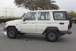 Toyota Land Cruiser GXR 76