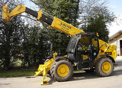 TELE HANDLER ON RENT  from ARABIAN EQUIPMENT & MACHINERY RENTALS LLC