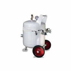moister separator/Receiver tank suppliers in uae from POWERBLAST LLC