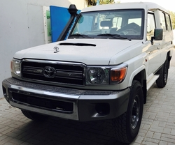 Toyota Land Cruiser VDJ 78 from DAZZLE UAE