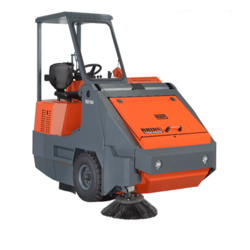 Road Sweeper in Uae from DAITONA GENERAL TRADING (LLC)