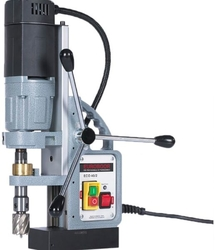Pneumatic magnetic drilling machine tot ø 52 mm