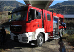 FIRE VEHICLES WITH HYDRAULIC PUMPS