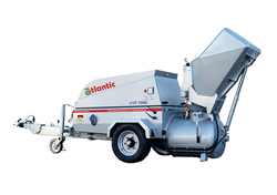 SCREED TRANSPORTING PUMP WITH HOPPER