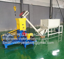 floating fish feed extruder machine extruding fish pellet floating on water