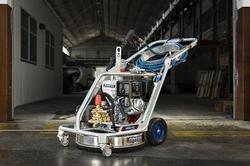 HIGH PRESSURE TANK CLEANING MACHINE