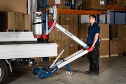 HYDRAULIC HAND TRUCK FOR LOADING